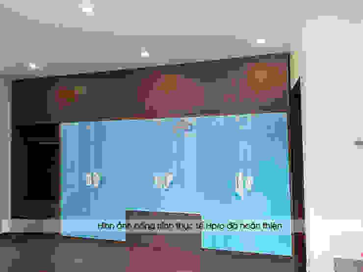 Ảnh thực tế tủ quần áo gỗ công nghiệp trong phòng ngủ master nhà anh Phương ở Thanh Hóa: hiện đại  by Nội thất Hpro, Hiện đại
