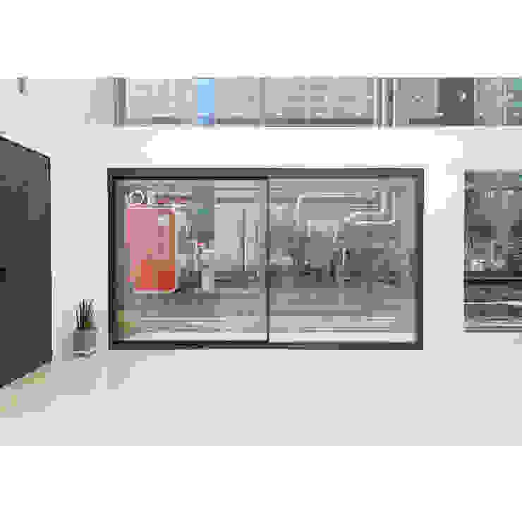 WP146 panorama 모던 스타일 전시장 by WITHJIS(위드지스) 모던 알루미늄 / 아연