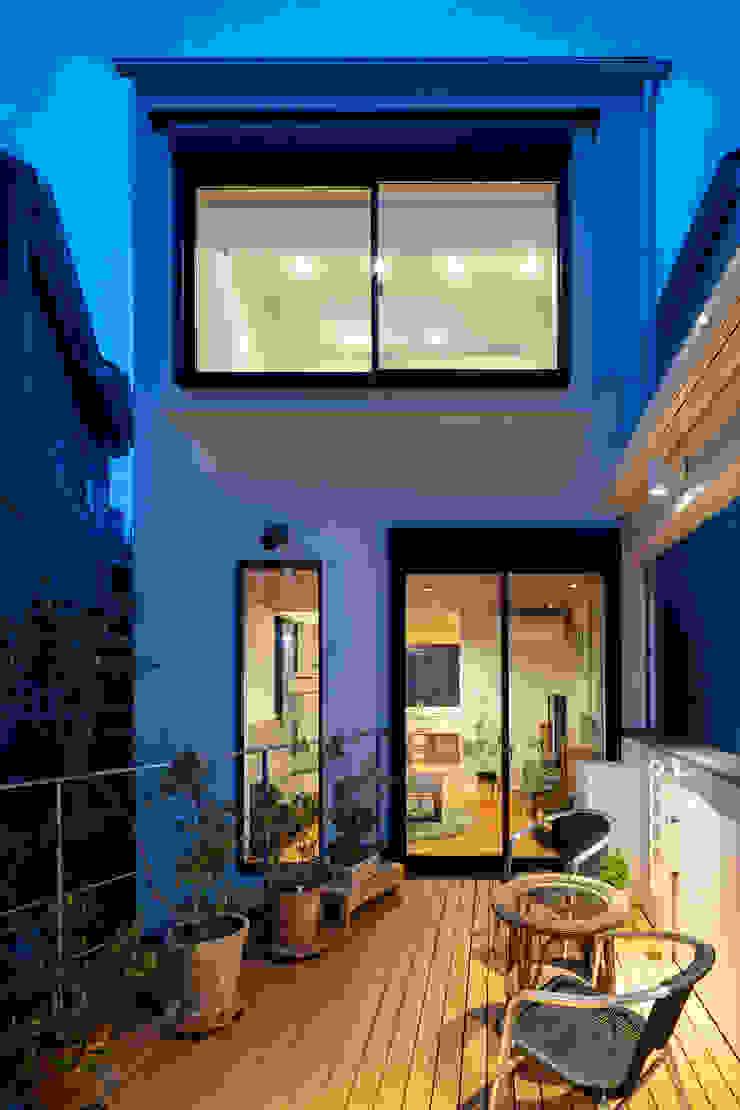Varandas, alpendres e terraços modernos por 設計事務所アーキプレイス Moderno Ardósia