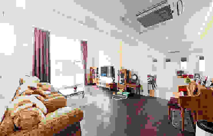 주택 내부 지중해스타일 거실 by 더존하우징 지중해