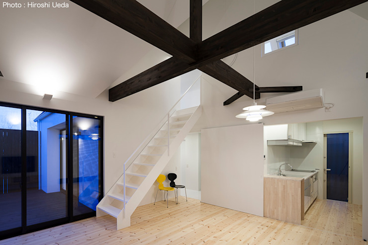 Ruang Keluarga Minimalis Oleh 石川淳建築設計事務所 Minimalis Kayu Wood effect