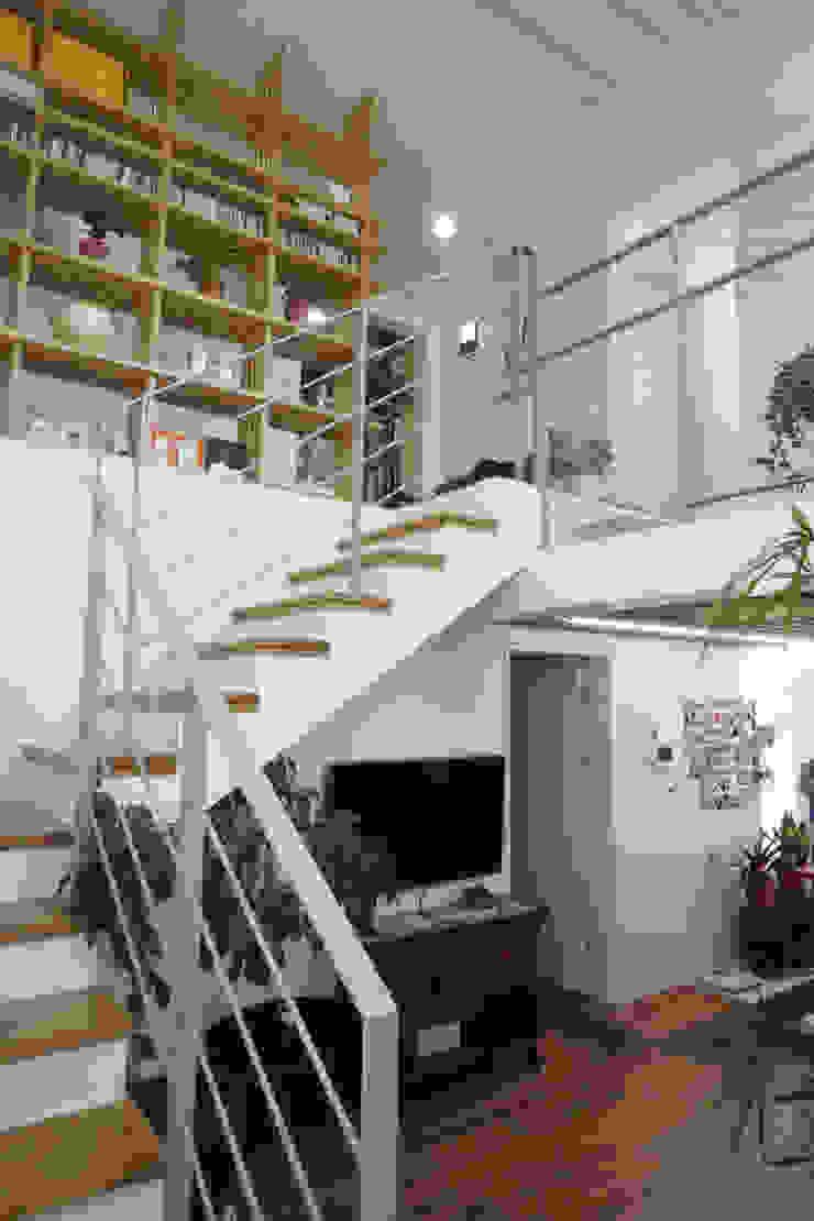 2층 거실 모던스타일 거실 by 건축그룹 [tam] 모던