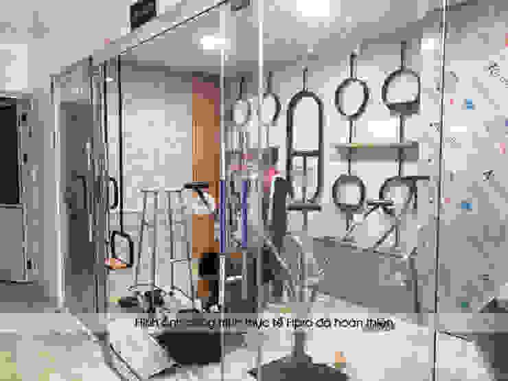 Hpro tiến hành thi công nội thất laminate showroom nhà máy Kenly Jang: công nghiệp  by Nội thất Hpro, Công nghiệp