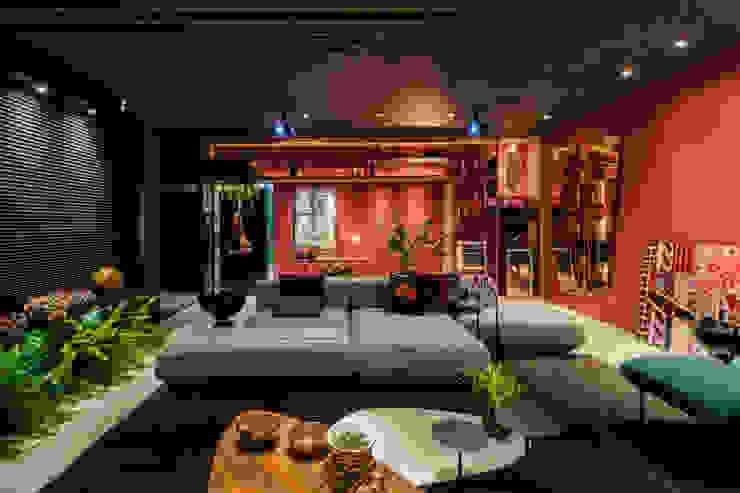 Modern living room by Sônia Beltrão Arquitetura Modern
