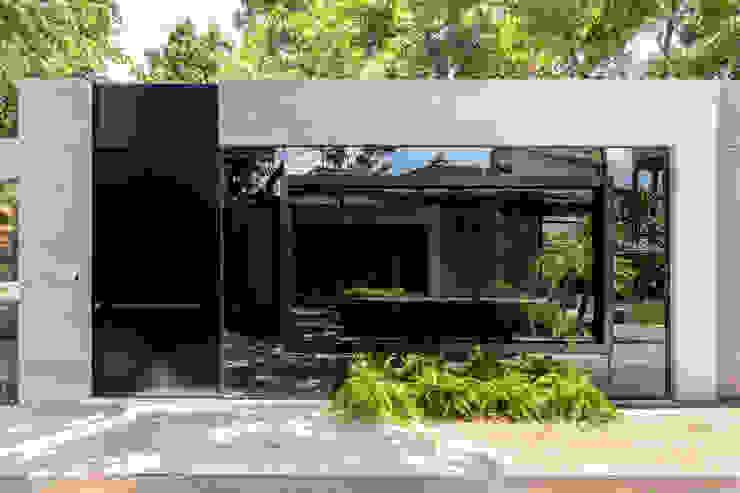 by Sônia Beltrão Arquitetura Modern Concrete