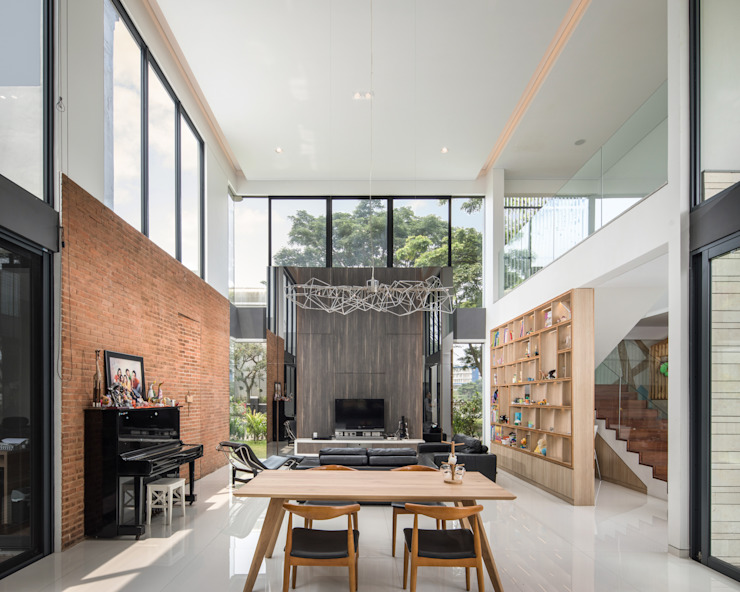Ruang Keluarga Ruang Keluarga Tropis Oleh Rakta Studio Tropis