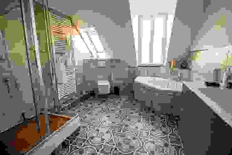 Zeitgenössische Vintage-Optik Ausgefallene Badezimmer von Bad Campioni Ausgefallen