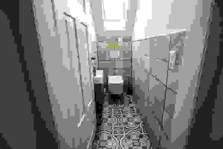 Eklektyczna łazienka od Bad Campioni Eklektyczny