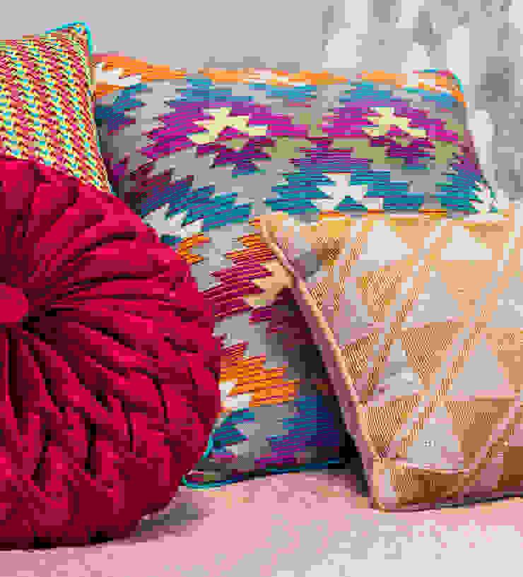 Arquitetura Sônia Beltrão & associados Modern Bedroom Multicolored