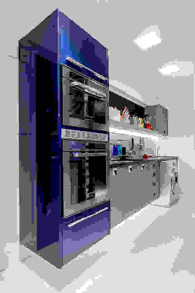 Arquitetura Sônia Beltrão & associados Kitchen units Blue