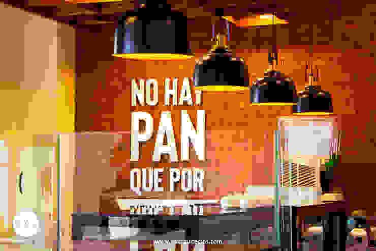 Cafetería El Gran Molino en Av. Colón de SXL ARQUITECTOS Moderno Madera Acabado en madera