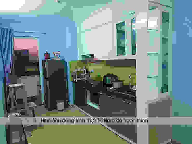 Ảnh thực tế tủ bếp acrylic kèm vách ngăn nhà anh Điệp: hiện đại  by Nội thất Hpro, Hiện đại