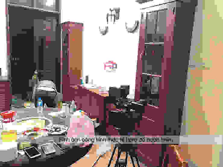 Ảnh thực tế kệ tivi gỗ hương nhà cô Vân ở Thanh Hóa: hiện đại  by Nội thất Hpro, Hiện đại