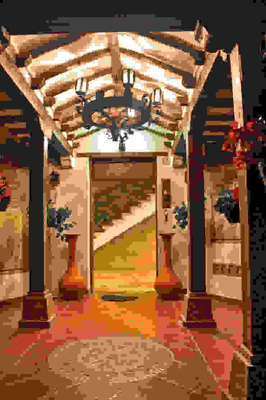 Acceso entrada principal Pasillos, vestíbulos y escaleras de estilo rústico de cesar sierra daza Arquitecto Rústico Cerámico