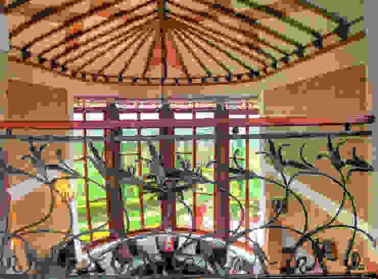 Techo de sala con incrustaciones de cana brava de cesar sierra daza Arquitecto Rústico Derivados de madera Transparente