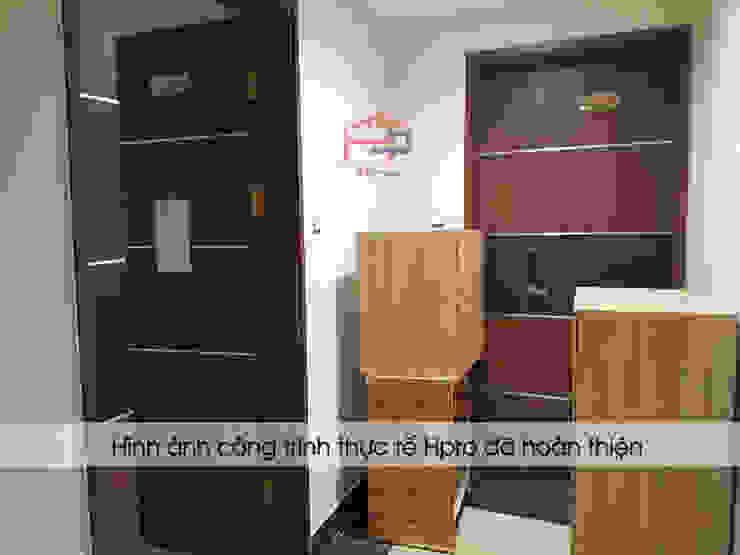 Hpro vận chuyển bộ tủ bếp laminate đến nhà chị Huyền ở Nguyễn Tuân: hiện đại  by Nội thất Hpro, Hiện đại