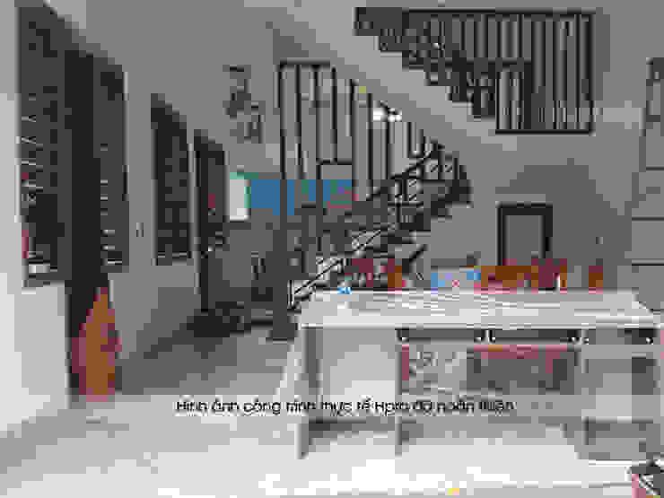 Hpro tiến hành lắp đặt tủ bếp acrylic cho nhà anh Toản ở Lạng Sơn: hiện đại  by Nội thất Hpro, Hiện đại