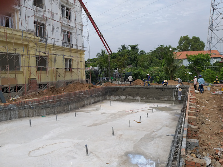 Swimming pool construction: asian  by seapoolvn, Asian Concrete