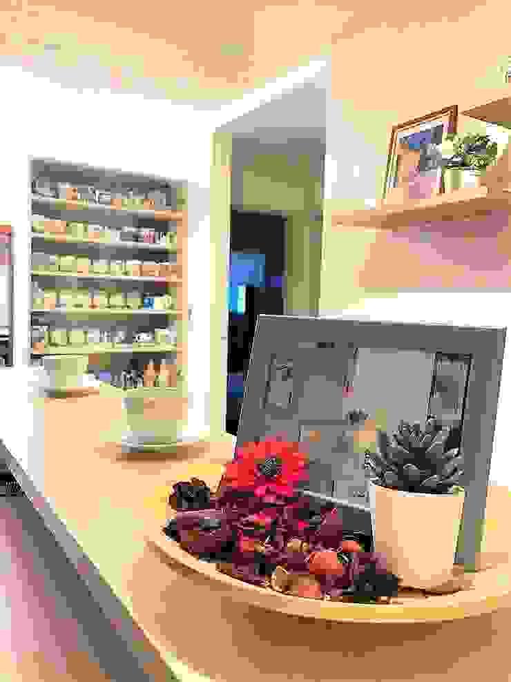 咖啡小吧檯 藏私系統傢俱 玄關、走廊與階梯儲藏櫃 MDF Wood effect