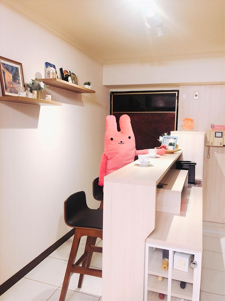 多功能吧檯區 藏私系統傢俱 玄關、走廊與階梯儲藏櫃 MDF Wood effect