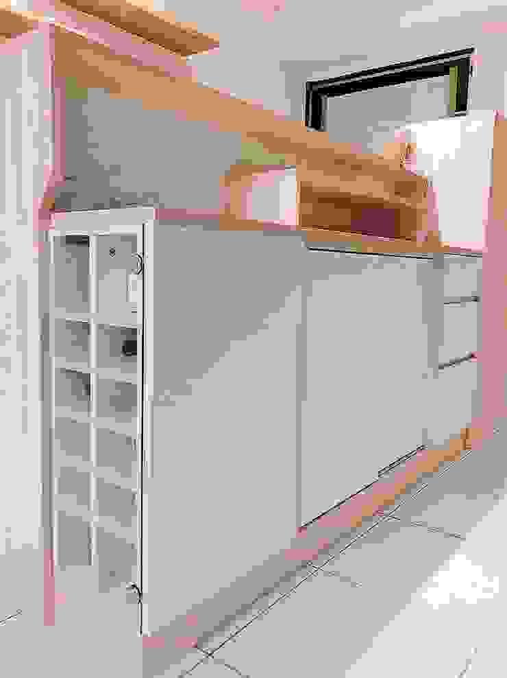 吧檯內小酒櫃&儲物收納櫃 藏私系統傢俱 玄關、走廊與階梯儲藏櫃 MDF White