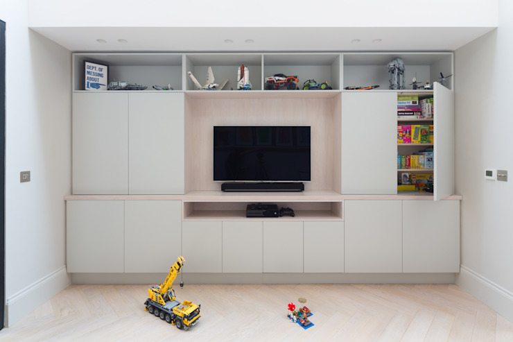 Kid's Room/Media Space od Shape London Nowoczesny