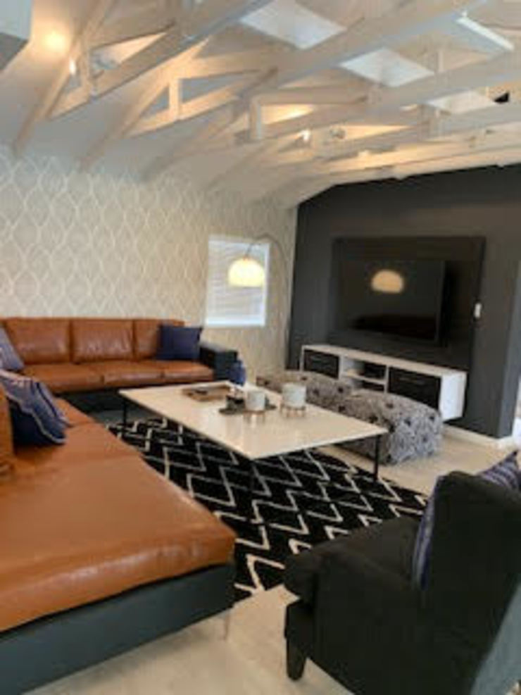 Modern Media Room by CS DESIGN Modern