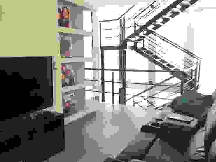 Proyectos y Maquinaria Del Norte SA de CV Sala multimediale moderna