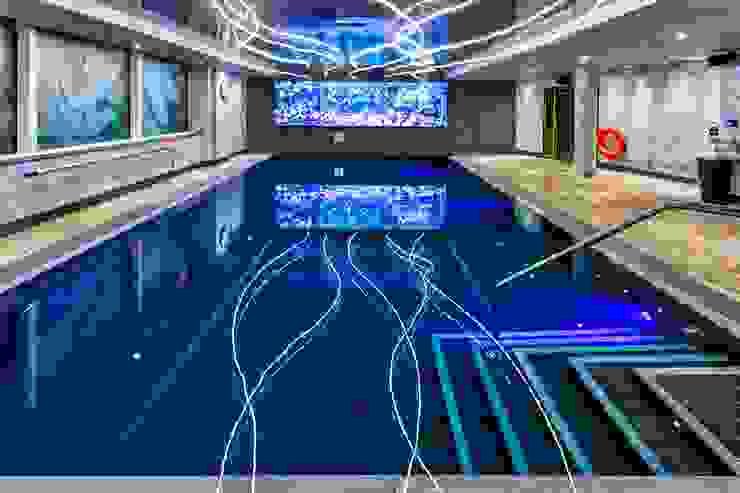 Pool and Saunarium for Novotel London - Canary Wharf by London Swimming Pool Company Сучасний Бетон