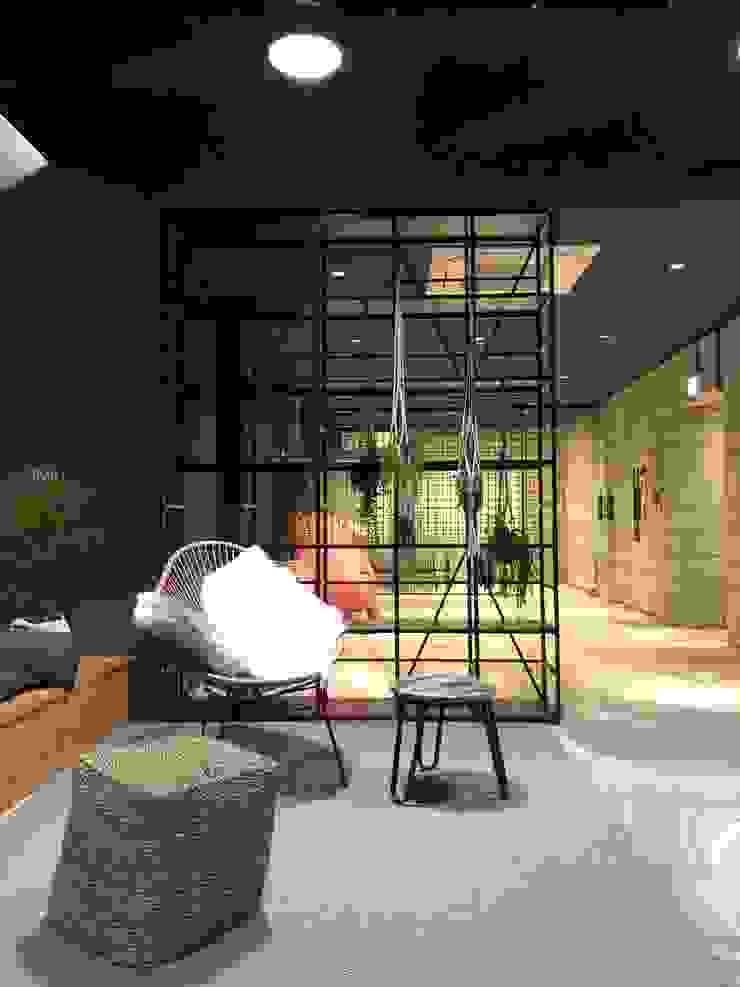 Phòng học/văn phòng phong cách mộc mạc bởi studio_BAT Mộc mạc