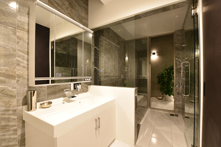 洗面・浴室: Style Createが手掛けた現代のです。,モダン タイル