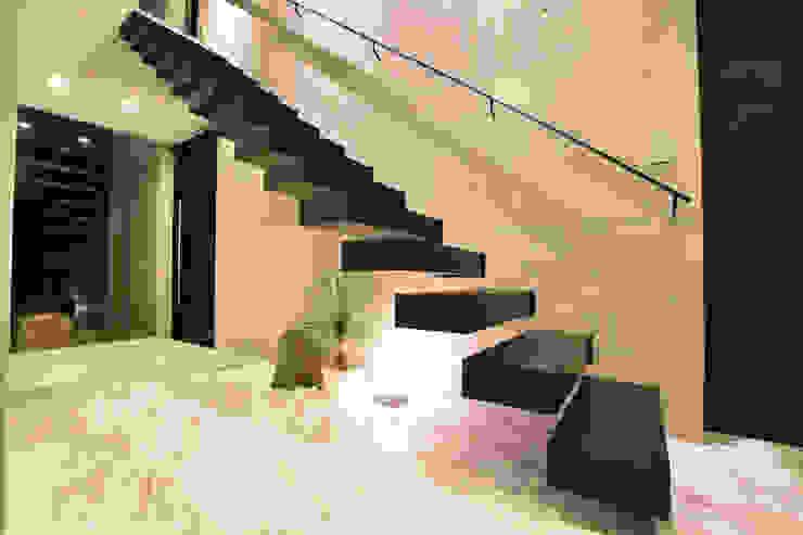 階段 の Style Create モダン コンクリート