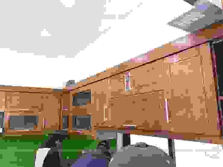 Hình ảnh thực tế ảnh hệ tủ bếp gỗ sồi mỹ trên nhà anh Việt ở Thái nguyên: hiện đại  by Nội thất Hpro, Hiện đại