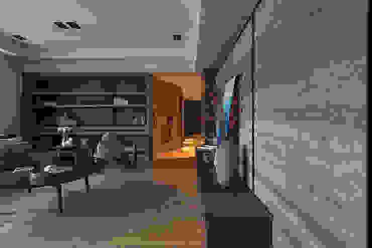 居家空間的光影變化 现代客厅設計點子、靈感 & 圖片 根據 宸域空間設計有限公司 現代風