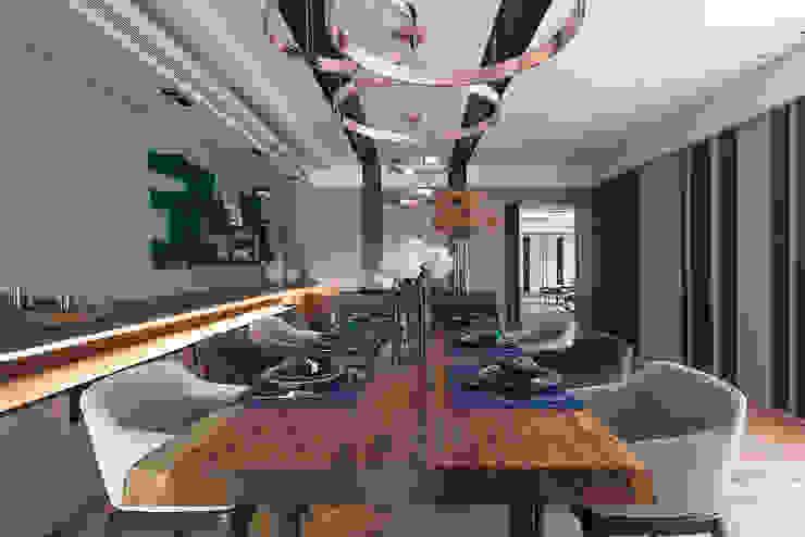 居家空間的光影變化 根據 宸域空間設計有限公司 現代風