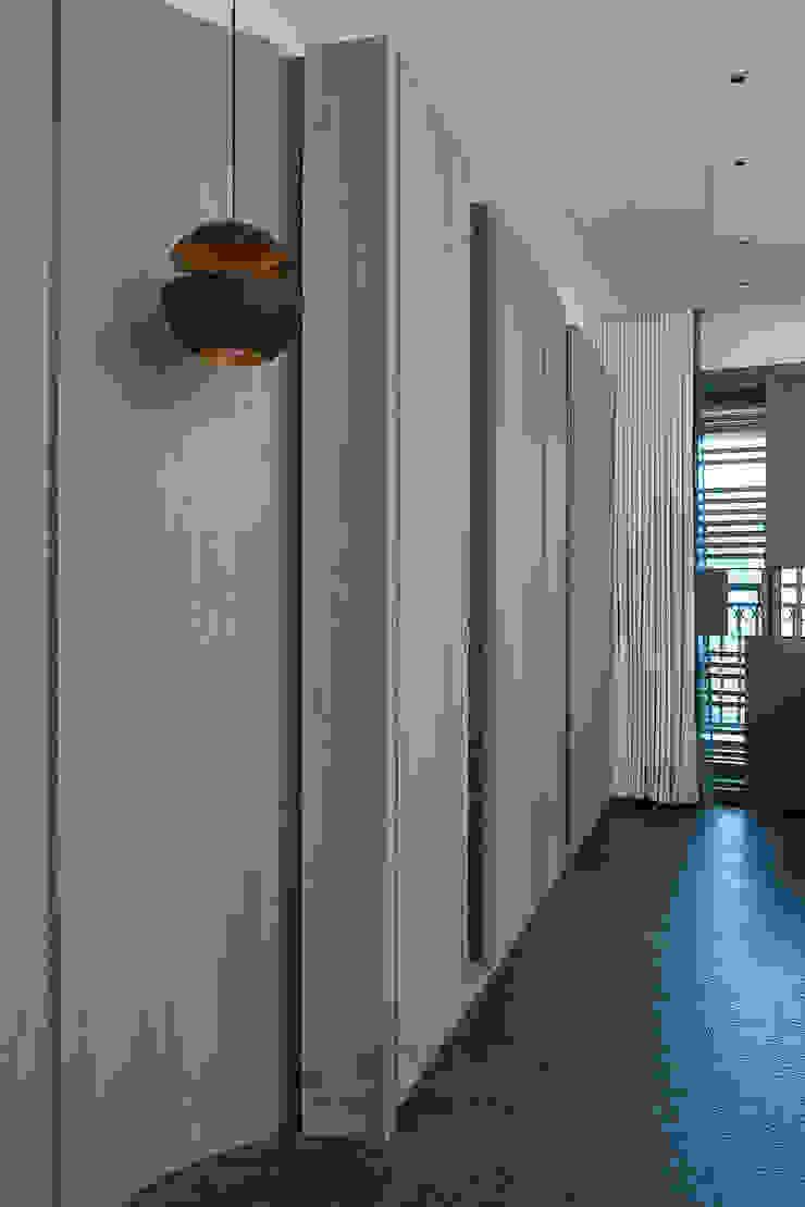 居家空間的光影變化: 現代  by 宸域空間設計有限公司, 現代風