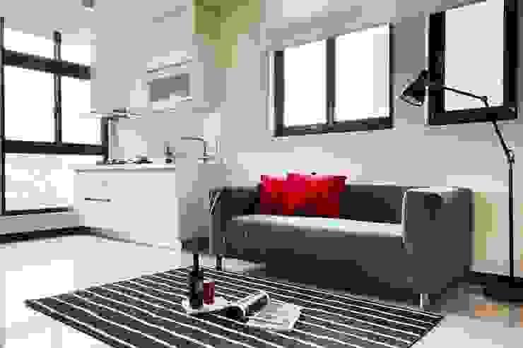 簡單的廚房讓居住在小坪數的空間內也能自行烹煮 根據 弘悅國際室內裝修有限公司 鄉村風