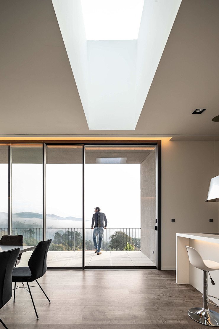 GR House by PAULO MARTINS ARQ&DESIGN Modern
