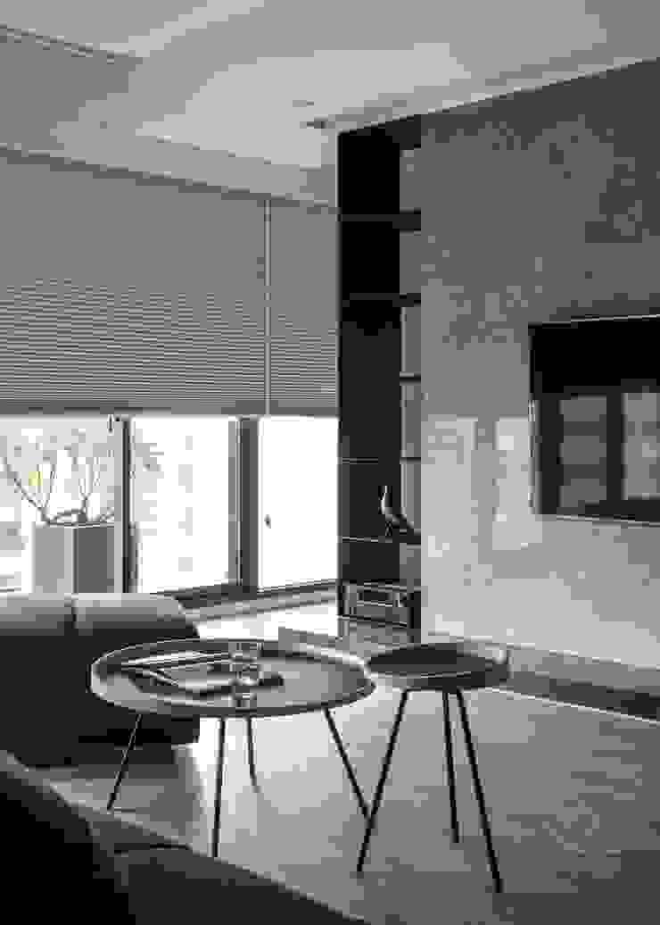 機櫃 極簡室內設計 Simple Design Studio 现代客厅設計點子、靈感 & 圖片