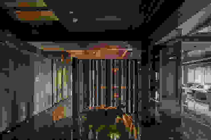 Residence of h 現代風玄關、走廊與階梯 根據 沈志忠聯合設計 現代風