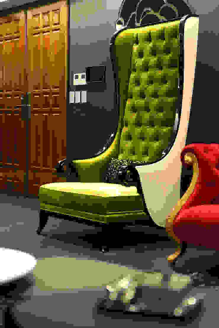 一品花園 现代客厅設計點子、靈感 & 圖片 根據 雅群空間設計 現代風
