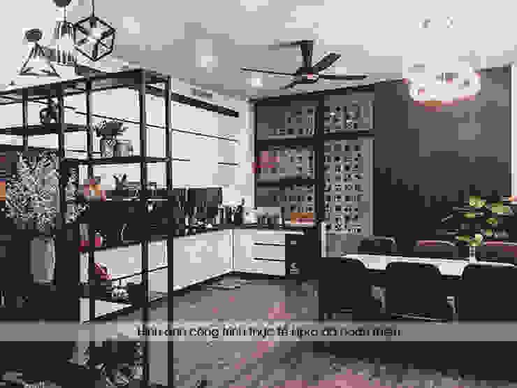 Hình ảnh thực tế tủ bếp acrylic kịch trần nhà anh Thành ở Tuyên Quang: hiện đại  by Nội thất Hpro, Hiện đại