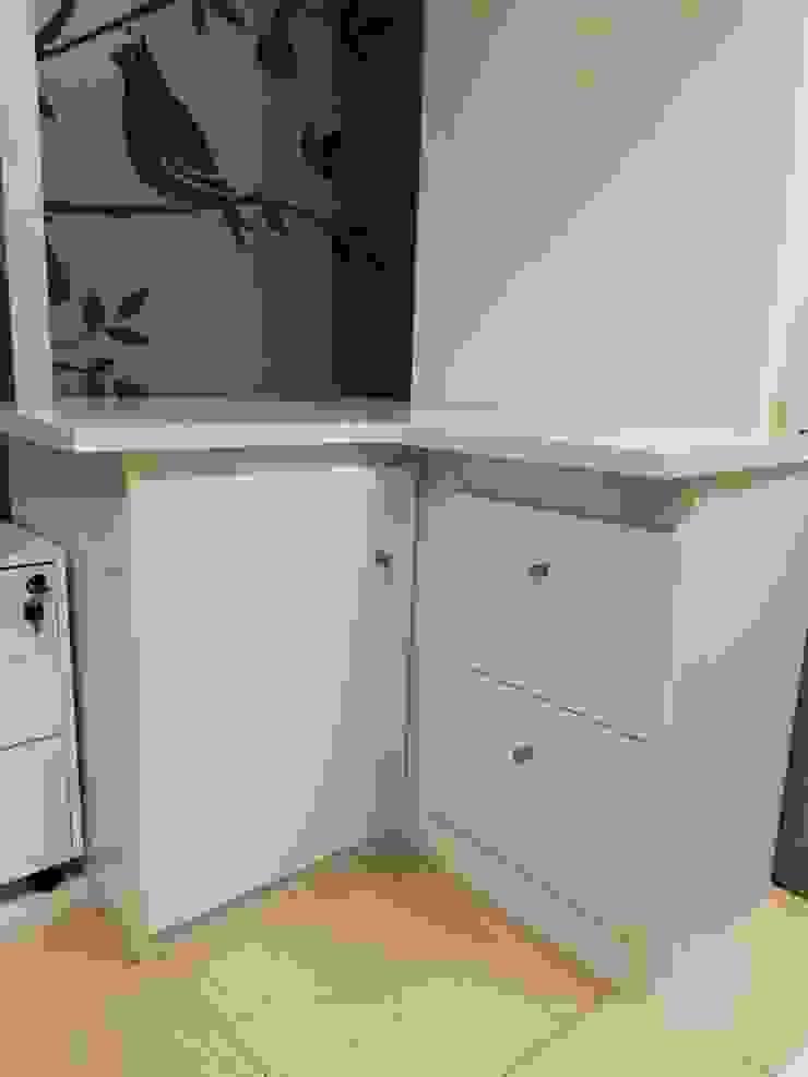 Mueble Auxiliar clinica Dental de Mueblesvier Moderno Madera Acabado en madera