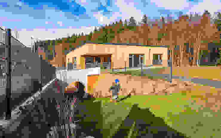 Südostfassade Moderne Schulen von archipur Architekten aus Wien Modern Holz Holznachbildung