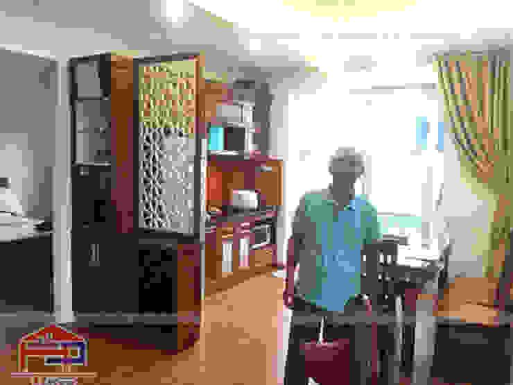 Ảnh thực tế bộ tủ bếp gỗ sồi mỹ kèm vách ngăn nhà bác Khôi ở Hoàng Cầu sau khi thi công xong bởi Nội thất Hpro