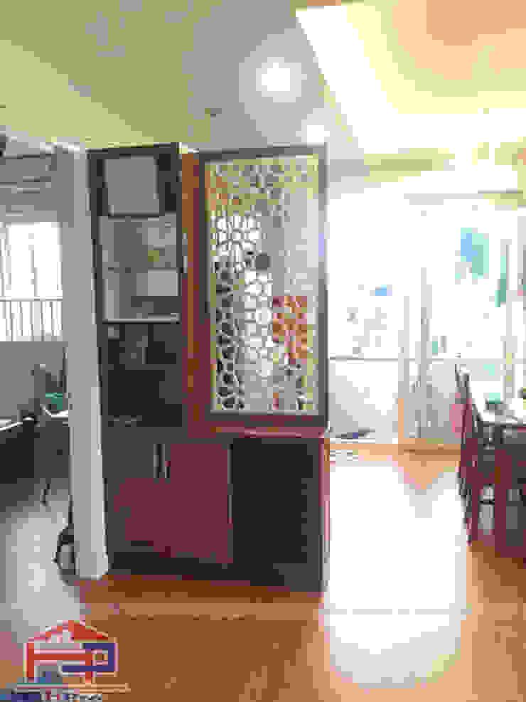 Ảnh thực tế sau khi hoàn thiện công trình tủ bếp gỗ sồi mỹ kèm vách ngăn nhà bác Khôi ở Hoàng Cầu bởi Nội thất Hpro