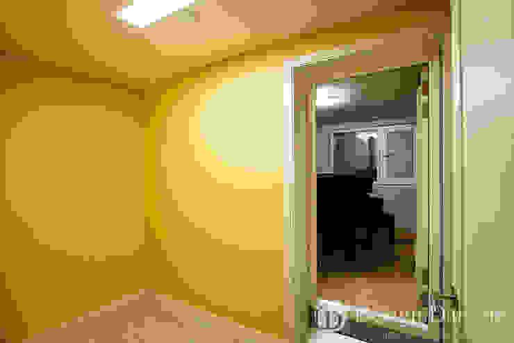 광장동 신동아 파밀리에 32py 연주실 모던스타일 침실 by Design Daroom 디자인다룸 모던