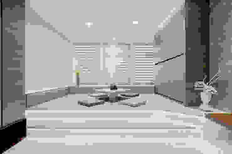 叡觀國際空間規劃[Design|蔡公館] 叡觀國際空間規劃 现代客厅設計點子、靈感 & 圖片