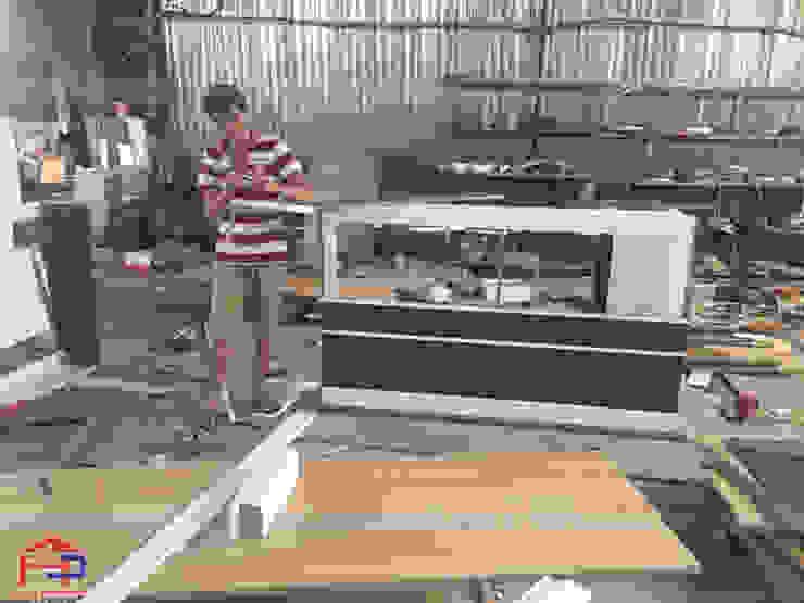 Hình ảnh sản xuất nội thất gỗ laminate tại xưởng của Hpro cho nhà hàng Buffet Poseidon- 85 Lê Văn Lương: hiện đại  by Nội thất Hpro, Hiện đại