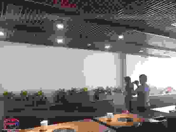 Ảnh thực tế nhà hàng Buffet Poseidon- 85 Lê Văn Lương sau khi hoàn thành thi công nội thất gỗ laminate: hiện đại  by Nội thất Hpro, Hiện đại